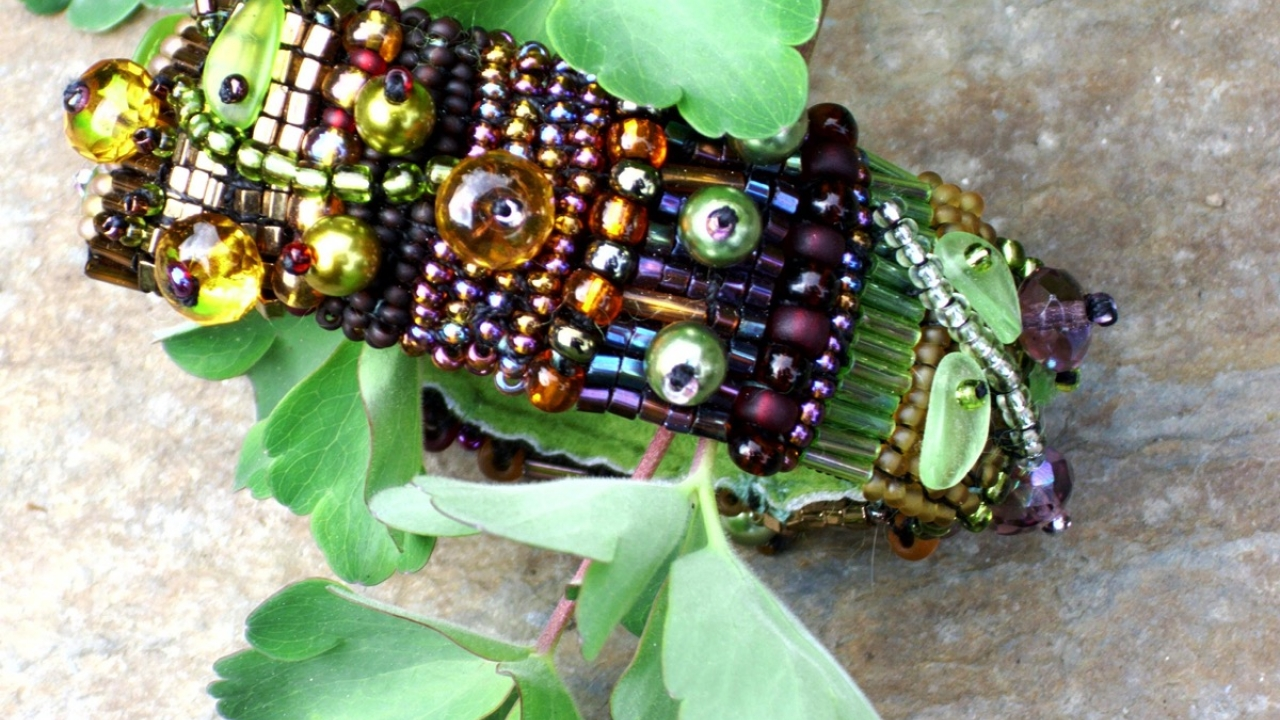 """Armband """" In The Garden """""""